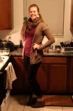 scarf cardigan skinny jeans heeled shoes