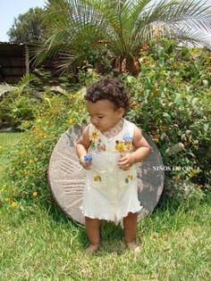 Ärmelloses Sommer #Babykleid #ökologische #Pima #Baumwolle, für Kinder vom 1. bis zum 3. Lebensjahr Unsere verarbeitete Pima Baumwolle ist naturbelassen und nicht chemisch gefärbt. Natürliche #Mode, freundlich zur Haut Ihres Kindes und der Umwelt, aus #Peru