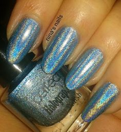Love the colour but not the claw-like nails