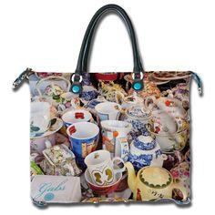 #GabsVintage #VintageVintage!!! My Cup Of Tea, Packaging Design, Tea Time, Diaper Bag, Tea Cups, Vintage, Bedroom, Room, High Tea
