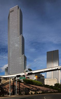 Miami Tower, designed by Pei, Cobb, Freed & Partners. Downtown (Miami, Florida)