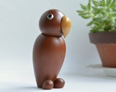 :-:-:-:- -:-:-:-:- -:-:-:-:- -:-:-:-:- Vintage Royal Pet modern wooden animal series -:- Super rare wooden object -:- -:-:-:-:- -:-:-:-:- -:-:-:-:- -:-:-:-:- Descriptions -:-:-:-:- Manufacturer / SENSHUKAI / JAPAN Series / Royal Pet Manufactured / 1960s Type / SEA LION Quantity / 2 Material / Wood / Matte finished as a danish object / Leather Measurements / Height : 4.3 (11cm) /approx. Condition / Good vintage condition. Other...