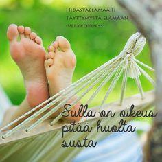Pidä huolta itsestäsi, anna itsellesi ihanin joululahja: 4 viikon matka itsetuntemukseen ja iloon Aaro Löfin Täyttymystä elämään -verkkokurssilla. Varaa oma itsetuntemusmatkasi 15.12. mennessä Hidasta elämää -etusivulta! #pidähuolta #ilo #itsetuntemus #verkkokurssi #täyttymystäelämään #aarolöf @aarolof