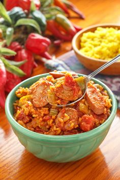 Make jambalaya by combining cup cooked brown rice; and cup canned kidney beans. Heat through. Eat with 3 cups spinach, steamed, and 1 medium apple. 1200 Calorie Diet Menu, 300 Calorie Meals, Low Calorie Recipes, Diet Recipes, Clean Recipes, Healthy Dinner Recipes, Healthy Snacks, Healthy Eating, Clean Eating