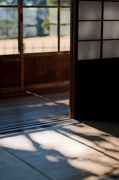of light and warmth – Samurai Champloo Japanese Home Design, Japanese Interior, Japanese House, Asian Interior, Urbane Fotografie, Washitsu, Tatami Room, Japanese Architecture, Pavilion Architecture