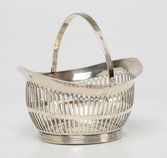 Ovaal ajour zilveren kluwenmandje met bloemgravering in de bodem en geribde randen - H.A. de Meijer, 's Gravenhage (1812/1824) - 1820 - gehalte 0.835 - 63 gram