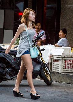 Perfect Legs, Great Legs, Wendy Williams Fashion, Women Legs, Cute Asian Girls, Beautiful Asian Women, Asian Woman, Outfit, Asian Beauty