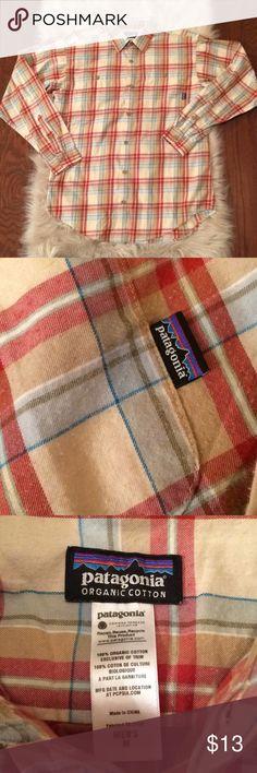 Patagonia Long Sleeve Button Down Shirt - Size Med Patagonia Long Sleeve Button Down Shirt - Men's Size Medium  100% Organic Cotton  Some pilling on Shirt - see photo Patagonia Shirts Casual Button Down Shirts