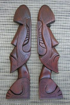 Twin Moais by tflounder on DeviantArt - carving Wood Carving Patterns, Wood Carving Art, Wood Art, Art Surf, Wood Sculpture, Sculptures, Easter Island Statues, Tiki Statues, Dremel Carving