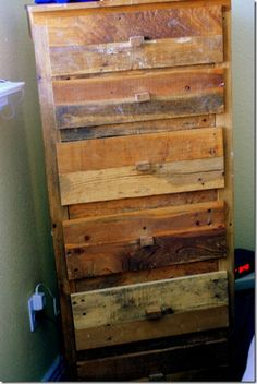 "Pinned said: ""My awesome friend made this out of pallets!!!"" Where are you, awesome friend?!?! I need your help!!!"