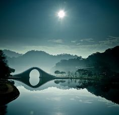 絵界   the Moon Bridge in Taipei