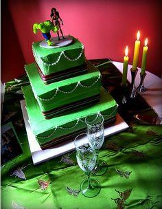 25 Ways to Make a Great Incredible Hulk Birthday Cake! Superhero Wedding Cake, Superhero Cake, Unusual Wedding Cakes, Beautiful Wedding Cakes, Wonder Woman Wedding, Hulk Birthday Cakes, Comic Book Wedding, Renewal Wedding, Wedding Planning