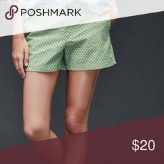 GAP Printed Summer Shorts Gap Printed summer shorts. Green, navy white. Flat front with side slit pockets and back button pockets. 100% cotton. GAP Shorts