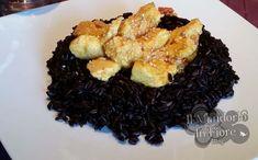 Il riso venere con pollo al curry e sesamo, un primo buonissimo e sfizioso, ma anche leggero. Semplicissimo da preparare e con pochissimi ingredienti