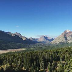 Another stunning view of Glacier National Park⠀ ⠀ ✨September 2015⠀ @glaciernps @glaciermt
