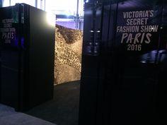 Mur de plume : Soi éphémère Plumasserie Grand Palais Victoria's Secret 2016