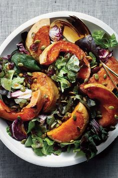 Top winter greens with roasted butternut squash for a clean, light meal. Butternut Squash Chili, Squash Salad, Roasted Butternut Squash, Winter Recipes, Winter Food, Light Recipes, Tandoori Chicken, Dessert Recipes, Desserts