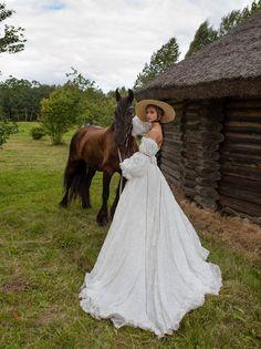 Boho wedding dress RANELL with long train Boho Wedding Dress, Wedding Gowns, Pretty Dresses, Beautiful Dresses, Horse Girl Photography, Mode Boho, Wedding Linens, Event Dresses, Princess Wedding