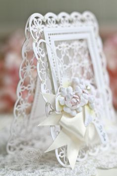 Such an elegant card using the new collection Venise Lace, by the die creator herself, Becca Feeken! Becca Feeken Cards, Acetate Cards, Spellbinders Cards, Shaped Cards, Easel Cards, Die Cut Cards, Heartfelt Creations, Card Making Inspiration, Folded Cards