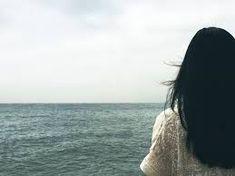 Palabras invisibles, llenas de blancos silencios.  Tus ojos y tu corazón las descifran, en símbolos, para que yo reciba tu respuesta entre mensajes y señales.  EC