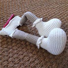 Haak-gelukjes: Mijn lieve Willenein Crochet Bunny, Amigurumi Toys, Easter Crafts, Poppies, Art Projects, Rabbit, Baby Shoes, Dolls, Knitting