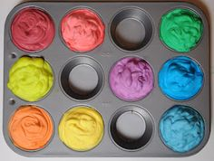 shaving cream bath paints - this would be a cute gift for my little goddaughter, packaged in small mason jars with ribbons