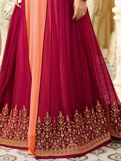 Shop Kareena Kapoor peach georgette straight cut salwar kameez online at kollybollyethnics from India with free worldwide shipping. Latest Salwar Kameez, Salwar Kameez Online, Kareena Kapoor, Straight Cut, Anarkali, Party Wear, Peach, India, How To Wear