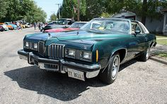 1977 Grand Prix (I wanted this to be my first car sooo bad) Cool Car Pictures, Car Pics, Pontiac Cars, Pontiac Grand Prix, Gto, Le Mans, Hot Cars, Interesting Stuff, Luxury Cars