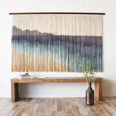 Dip dye tapestry by ModernYarn Macrame Wall Hanging Diy, Macrame Art, Macrame Projects, Macrame Knots, Dorm Room Crafts, Diy Home Crafts, Homemade Wall Decorations, Room Decorations, Ideias Diy