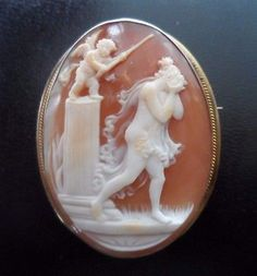 Beautiful-Antique-Shell-Cameo-Brooch-Pendant-of-Cupid-and-Crying-Woman