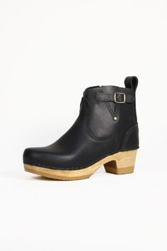 "5"" Buckle Boot on Mid Heel in Black"