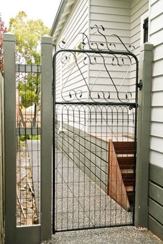 Side woven wire gate