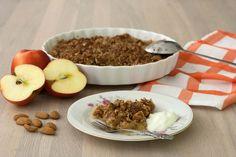 Æbletærte med smuldredej (5) by louisesmadblog, via Flickr