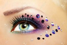 Pretty purple smokey eye make-up with creatively placed crystal accents. Beautiful Eye Makeup, Beautiful Eyes, Maquillage Halloween Simple, Makeup Fx, Music Festival Makeup, Purple Smokey Eye, Dance Makeup, Fantasy Make Up, Carnival Makeup