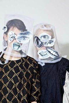Bernard Wilhelm testen met lino of styrofoam prints van afzonderlijke delen Selfies, Art Photography, Fashion Photography, Conceptual Photography, Arte Fashion, Art Design, Art Plastique, Costume Design, New Trends