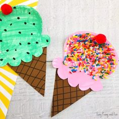 These quick and easy summer kids crafts can be made in under 30 minutes! No special skills are required, so ANYONE can make these cute summer crafts for kids!