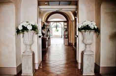 Flower designer FlowerLab - www.flowerlab.it Location - San Biagio Relais - www.sanbiagiorelais.com