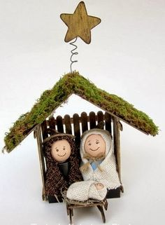 The Nativity is such a lovely homemade project to create for your family this holiday season. Here are several tutorials on how to make your own Nativity Manger… Christmas Nativity Set, Nativity Crafts, Noel Christmas, Christmas Crafts For Kids, All Things Christmas, Holiday Crafts, Christmas Gifts, Christmas Decorations, Christmas Ornaments