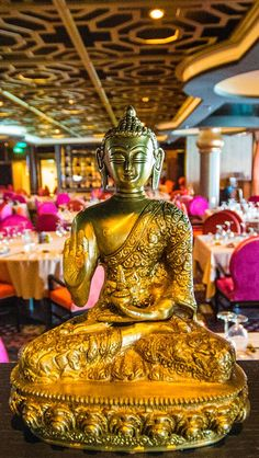 Weave your way through a vibrant tapestry of pan-Asian flavors as diverse as the Far East itself. Silk serves up Asian sensibilities with sophisticated style on Anthem of the Seas.