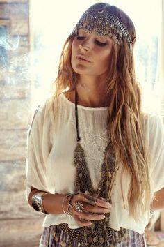 300 Boho-Style Fashion Looks Boho Chic, Look Hippie Chic, Gypsy Style, Hippie Style, Bohemian Style, Bohemian Tops, Hippie Bohemian, Boho Gypsy, Gypsy Chic