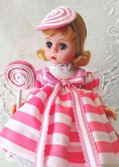 Wizard of Oz, Lollipop Munchkin, Madame Alexander, Vintage Doll Box, Welcoming Card & Wri Pretty Dolls, Beautiful Dolls, Swirl Lollipops, Vintage Madame Alexander Dolls, Welcome Card, Doll Stands, Swirl Pattern, Hello Dolly, Wizard Of Oz