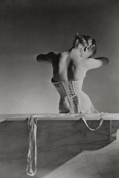 Corset by Detolle for Mainbocher, 1939 [Photo by Condé Nast/Horst Estate]