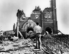 Video at bottom! On August 1945 during World War II, an atomic bomb was dropped on the town of Hiroshima, Japan. people were killed or injured. There was a home eight blocks (about 1 kilome Nagasaki, Hiroshima Japan, Illuminati, World History, Art History, Atomic Bomb Hiroshima, Sainte Cecile, China, Close Up