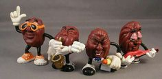 nostalgia California Raisins - When I worked for Spiegel in Atlanta, my friends amp; I had someone make us raisins outfits so we could dress up as the California raisins for Halloween! We had a microphone, guitar amp; It was really alot of fun! 90s Childhood, My Childhood Memories, Sweet Memories, Tennessee Williams, California Raisins, 1980s Toys, 90s Nostalgia, 80s Kids, Kids Tv