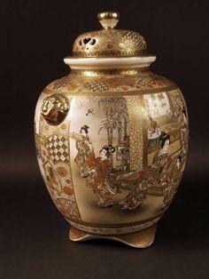 A Japanese Satsuma earthenware Koro by Hozan, Meiji Period. Japanese Porcelain, Japanese Ceramics, Japanese Pottery, Japanese Art, Satsuma Vase, Glass Ceramic, China Porcelain, Chinese Art, Earthenware