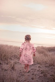 prettie-sweet: Sand Dunes, by Le Fabuleux Destin. Precious Children, Beautiful Children, Beautiful Babies, Little People, Little Ones, Little Girls, Sweet Girls, Am Meer, Little Doll