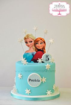 Tarta Frozen fondant - Frozen fondant cake www.teresamuntane.com Teresa Muntané Cake Designer Frozen Party Cake, Frozen Birthday Party Games, Frozen Birthday Outfit, Frozen Themed Birthday Cake, Baby First Birthday Cake, Disney Frozen Birthday, Frozen Disney, Birthday Cake Girls, Themed Cakes