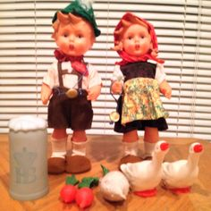 "Hummel Goebel Pair Of Rubber Dolls Vintage 1700 Series 11"" W/ Accessories"