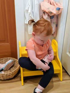 A Day in the Life: Meet and family : Monti Kids Montessori Baby Toys, Montessori Playroom, Montessori Preschool, Maria Montessori, The Life, Real Life, Crochet Ball, Ikea Kids, Practical Life