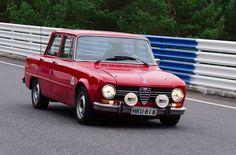 My old Alfa Romeo Giulia 1300 Super put through its paces in Ahvenisto.